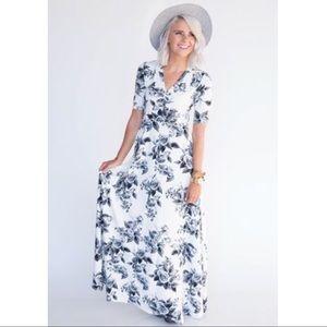 Agnes & Dora XL (16/18) Austen Dress - Roses